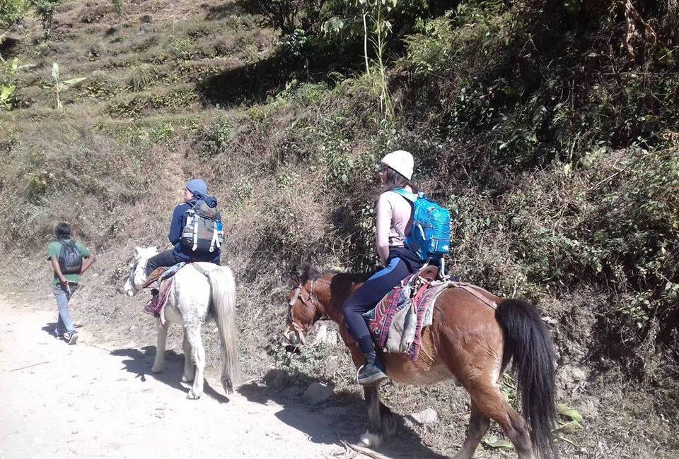 horse ride photo - annapurna circuit